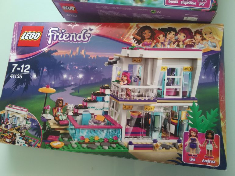 FriendsUne De Concours Minute Lego Beaute XZiOuPTk