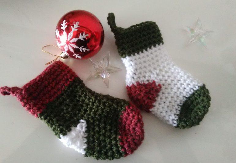 Les petites chaussettes de Noël à crocheter !