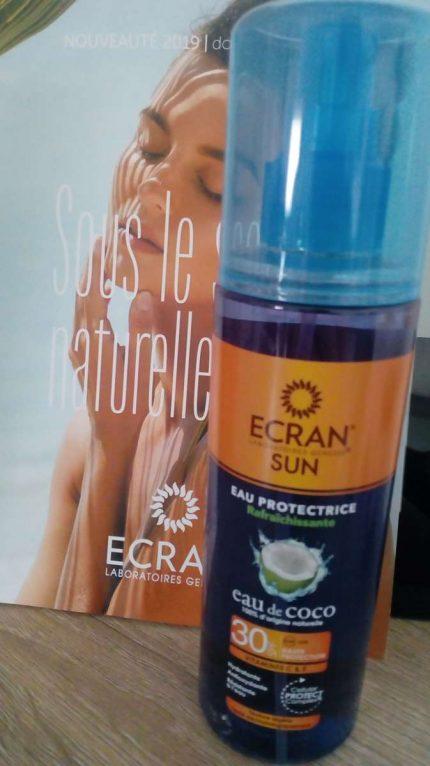 L'eau de coco pour se protéger du soleil / ECRAN