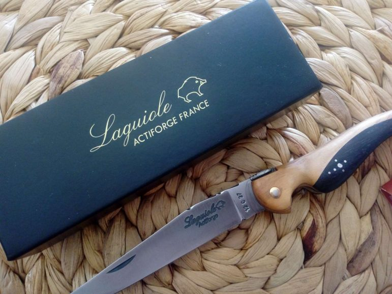 Idée cadeau Homme / Le couteau oiseau Laguiole
