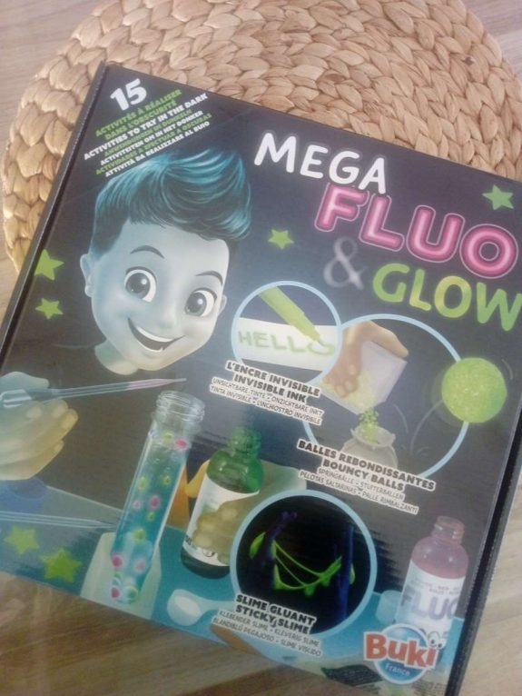 MEGA Fluo and Glow / Buki